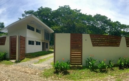 0.25 ACRES – 2 Bedroom + Loft Modern Home w/ Pool + Room To Build More, Walking Distance To Beach!!!