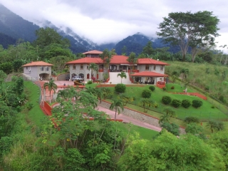 1.5 ACRES - 10 Bedroom Ocean View Estate W Pool And Potential To Convert To A Boutique Hotel!!!