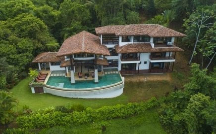 1.14 ACRES – 5 Bedroom Magnificent Home With Pool And Ocean View In Escaleras!!!