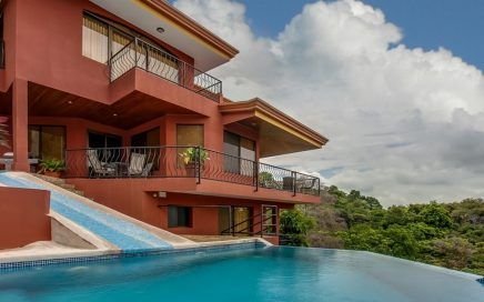 1.28 ACRES – 6 Bedroom Home With Pool And Waterslide, Great Rental!!!