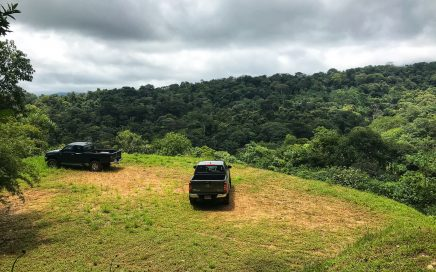 1.38 ACRES – Ideally For A Retreat w/Private Primary Jungle, Streams Surrounded, Great Access, 5 Minutes To Uvita Downtown!!!