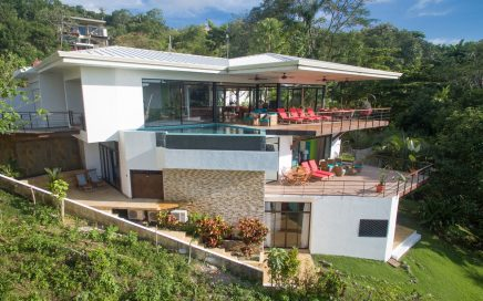 0.36 ACRES – 5 Bedroom Luxury Home With Ocean View And Infinity Pool!!!!