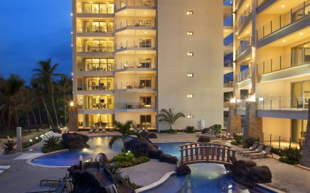 CONDO – 3 Bedroom Beachfront Condo With Incredible Views!!!