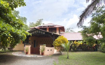1 ACRE – 1 Bedroom Home Plus Guest Cabin On Titled Land Walking Distance To Beach And Point Break Surf!!