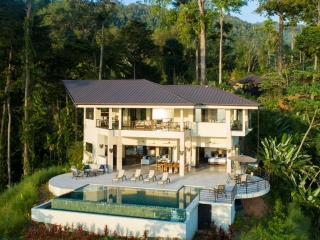 3.9 ACRES - 4 Bedroom Brand New Luxury Ocean View Home With Infinity Pool!!!