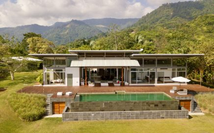 2.7 ACRES – 3 Bedroom Modern Luxury Home With Pool And Ocean View!!!