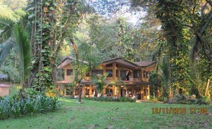 CABALLITOS DEL MAR – 3 Bedroom Beach Front Villa With a Pool!!!