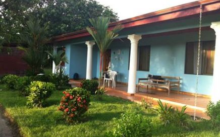 CASA CELESTE – Very Comfortable 3 Bedroom Home Walking Distance To The Beach!!