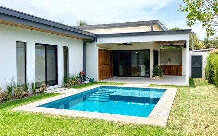 0.13 ACRES – 3 Bedroom Brand New Modern Home With Pool In Center Of Uvita!!!