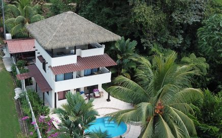 0.33 ACRES – 2 Bedroom Home With Pool, Walking Distance To Waterfall!!!