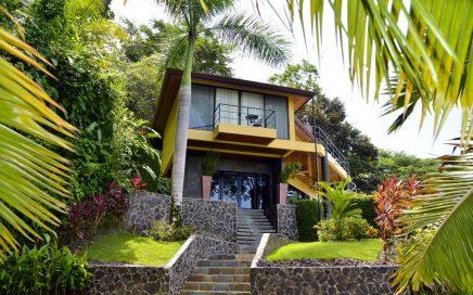 VILLA BUENA VISTA – 4 Bedroom, 4 Bathroom Home W/ Pool and Jacuzzi, Sweeping Ocean View!