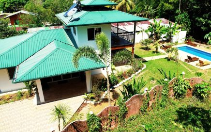 0.2 ACRES – 4 Bedroom Home With Pool In The Heart Of Uvita!!!