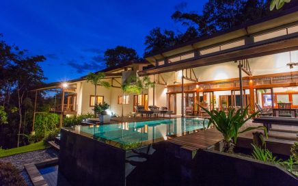 LATTICE HOUSE – 4 Bedroom House With Ocean Views From Every Room Plus Infinity Pool !