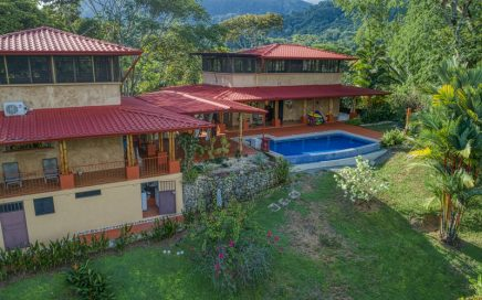 2.14 ACRES – 3 Bedrooms In 2 Homes With Pool And Small Ocean View!!!