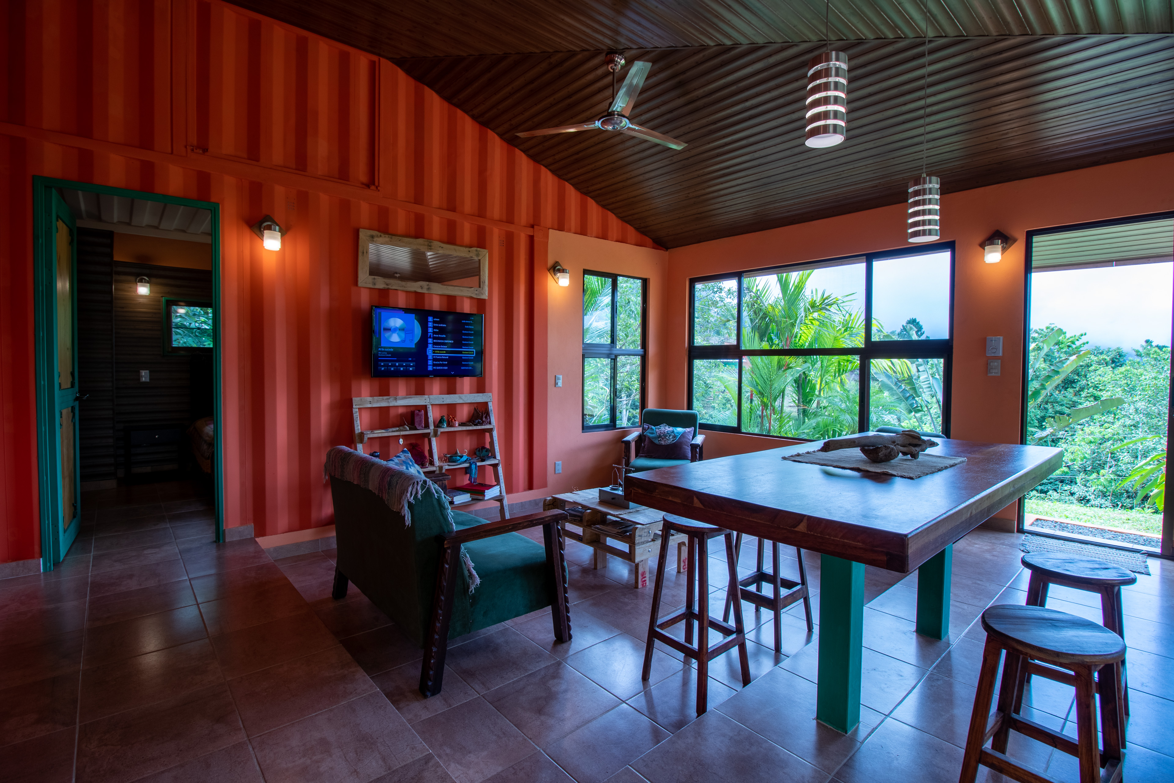0 28 Acres 2 Bedroom Home With Excellent Detail On