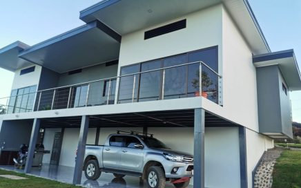 0.18 ACRES – 3 Bedroom Brand New Modern Home With Mountian Views!!!