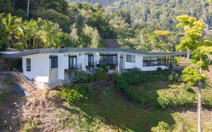 4.04 ACRES – 3 Bedroom Modern Ocean View Home On Large Acreage!!!