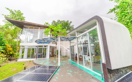 1.74 ACRES – 3 Bedroom Round Glass Modern One Of A Kind Home With Amazing Ocean Views!!!!!