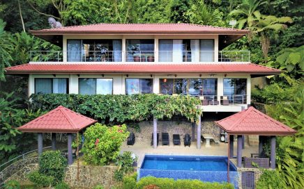 VILLA EXOTICA – 4 Bedroom Tropical Home with Infinity Pool and Jacuzzi!!!