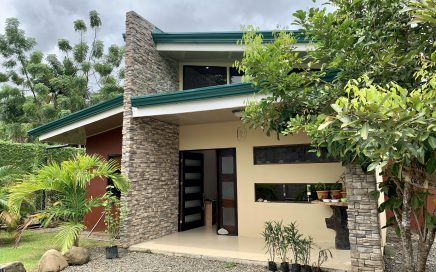 0.09 ACRES – 2 Bedroom Modern Home With Pool, Walking Distance To The Beach!!!