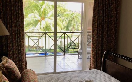 CONDO – 2 Bedroom Condo With 2 Balconies, Pool, Golf Course Views, Walk To Beach!!!