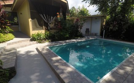 0.8 ACRES – 2 Bedroom Home With Pool In The Center Of Ojochal!!!!