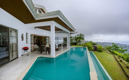 0.52 ACRES – 3 Bedrooms, 2 In Main Home + 1 Bedroom Guest House, Pool, Hot Tub, Amazing Ocean Views!