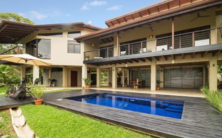 0.38 ACRES – 3 Bedroom Tropical Home With Amazing Whales Tale Ocean View, Pool, And River Access!!!!