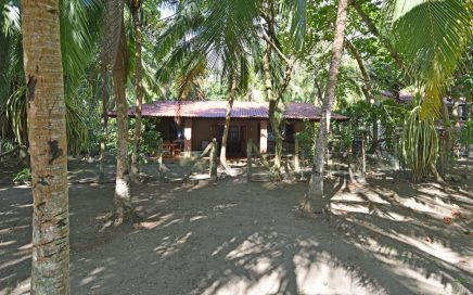 0.23 ACRES – 2 Bedroom Beachfront Home on Gorgeous Matapalo Beach!!!!