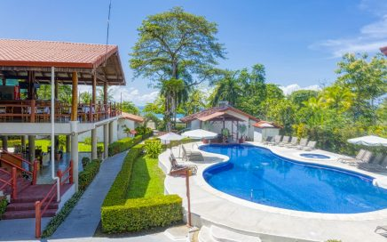 2.5 ACRES – 42 Room Beachfront Hotel With Pool Located In The Golfo Dulce!!!!