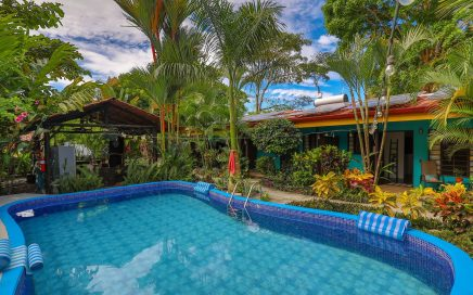 0.19 ACRES – 4 Cabinas And 3 Bedroom Owner's Home 5 Min Walk To Beach!!!!