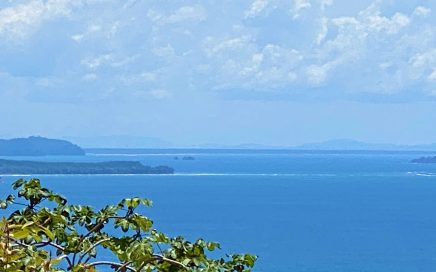 1.3 ACRES – 2 Bedroom Home With Incredible Ocean View And Easy Access!!!!