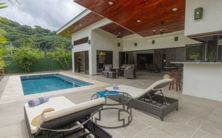 VILLA PALM and VILLA ORCHID – 3 Bedroom Villas with Private Pools Steps from the Beach!!!