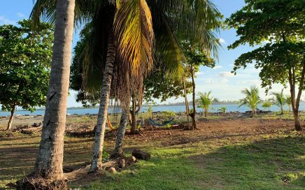 0.73 ACRES – Beachfront Property At Mouth Of Terraba River Perfect For Business Or Private Home!!!!