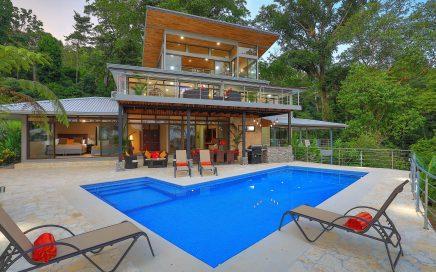 24.75 ACRES – 9 Bedroom Estate, 6 Bedroom Main Home Plus 3 Bedroom Guest Home, Pool, Ocean View!!!!