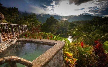 650 ACRES – Rafiki Safari Lodge – 14 Luxury Safari Tents, Bar/Restaurant, Rafting, 4.5 Km Of River Frontage!!!!
