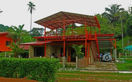 BARU RIVER HOUSE-2 Bedroom House With Pool, Walking Distance To Beach And Town!!!!!