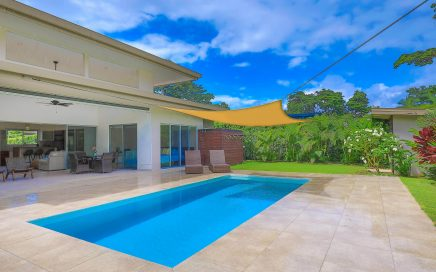 0.18 ACRES – 3 Bedroom Brand New Modern Home With Pool 5 Min Walk To Beach!!!!
