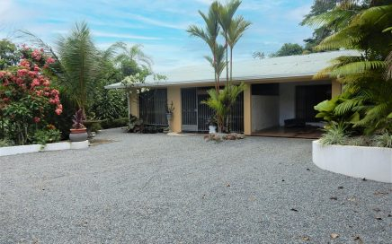 0.37 ACRE – 3 Bed 3 Bath Retirement And Income Home With Guest House!!!