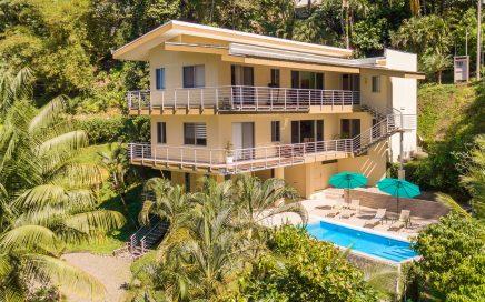0.34 ACRES – 5 Bedroom Luxury Home With Pool In Heart Of Manuel Antonio!!!!!