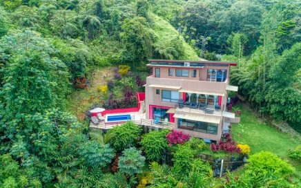 2.76 ACRES – 3 Bedroom Tropical Villa With Pool And Sunset Ocean Views!!!!