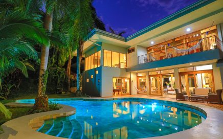 1.4 ACRES – 4 Bedrooms Luxury Residence With Spectacular Pool And Sunset Ocean Views!!!!