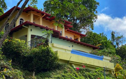 0.25 ACRES – 3 Bedroom Home With Pool And Stunning Whales tale Sunset Ocean Views!!!!