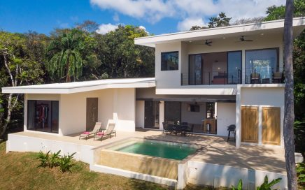 2.5 ACRES – 3 Bedroom Modern Style Home With Pool And Ocean View In Rainforest Setting!!!!