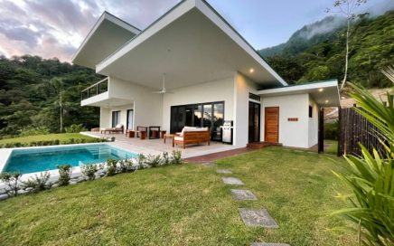 CASA BELLA DONNA – 3 Bedroom Villa with Ocean and Jungle Views Within Walking Distance to 100′ Waterfall!!!