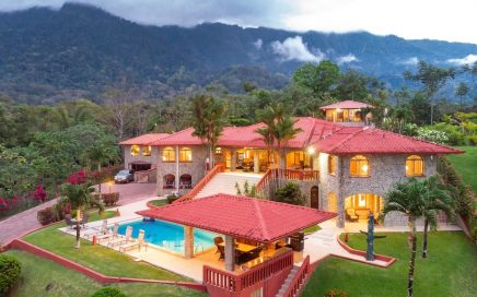 VILLA TOPANGA–10 BEDROOM VILLA SURROUNDED BY NATURE WITH SPECTACULAR VIEWS!!