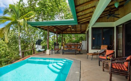 4 ACRES – 5 Bedrooms In 2 Homes With 2 Pools And Spectacular Ocean Views!!!!!!