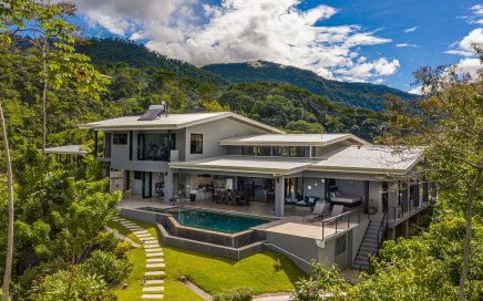 3.5 ACRES – 4 Bed Luxury Home + 1 Bedroom Guest House, Infinity Pool, Whales Tale Ocean View!!!!!