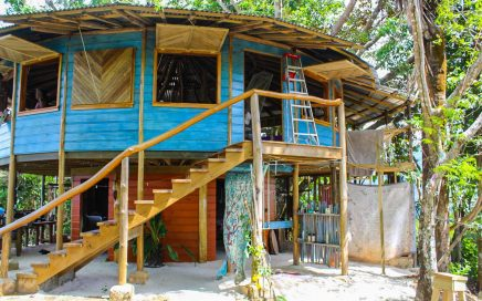 6.6 ACRES – 1 Bedroom Round Cabin With Amazing Mountian View And Small Ocean View At A Great Price!!!!