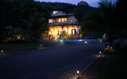 0.5 ACRE – 5 Bedroom Newly Finished, Wheelchair Friendly, Convenient Home On The Rio Baru In Dominical!!!!!